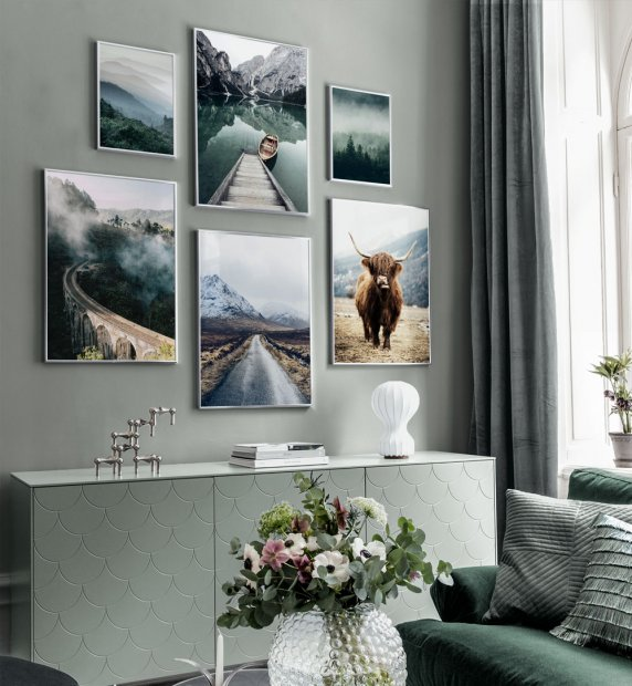 Gallery Wall in tones of green inspired by nature