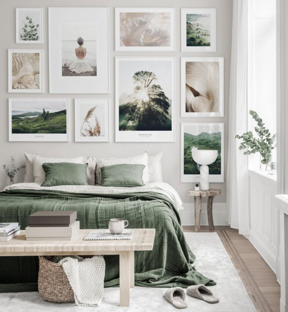 Gallery wall in earthy colours with nature posters